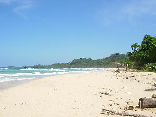 Bocas del Toron saariston pehmeähiekkaiset rannat kutsuvat auringonpalvojia.