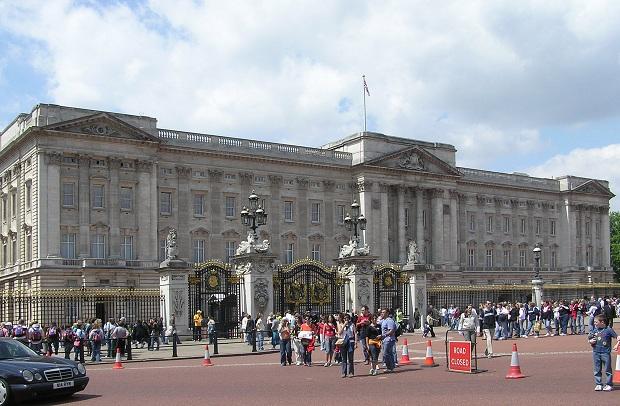 Buckinghamin palatsissa on kaikkiaan 775 huonetta.