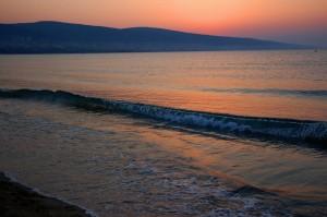 Auringonlasku Sunny Beachillä (kuva: vladislav.bezrukov CC-BY)