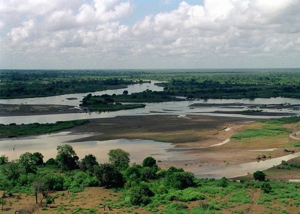 Tulviva Tana-joki Rift Valleyn alueella.
