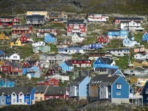 Qaqortoq-kylä (Kuva: Eider Palmou CC BY 2.0)