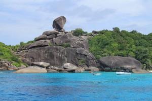 Similanin saaret ovat suosittu sukelluskohde (kuva:  Maxmajestic CC-BY-SA)