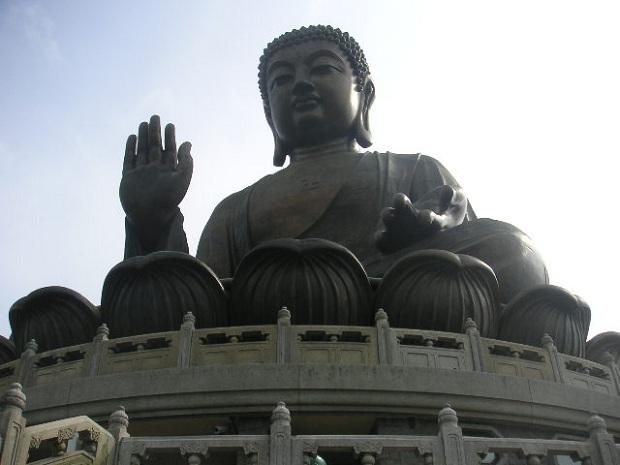 Lantau Islandin buddha on hämmästyttävän iso.