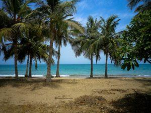 Omanissa voi viettää myös rantalomaa (Kuva: Sam Nabi CC BY-SA 2.0)