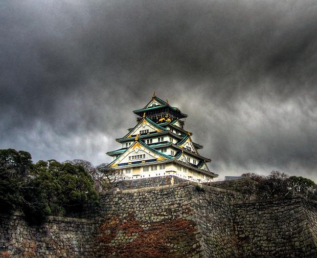 Osakan linna on kaupungin symboli. (kuva: Joop CC-BY)
