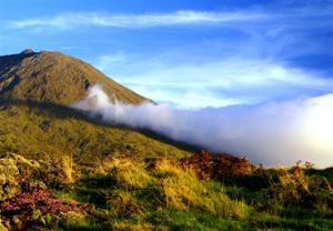Picon saarella sijaitsee Poortugalin korkein vuori Mount Pico