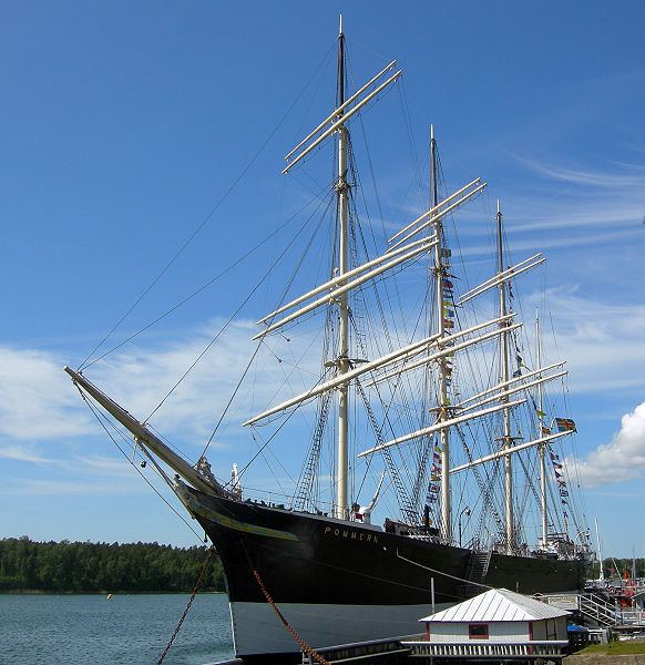 Museolaiva Pommernia voisi kutsua Maarianhaminan maamerkiksi.
