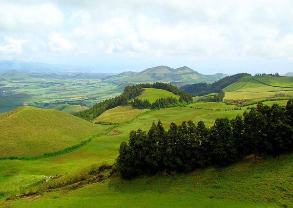 São Miguelin saaren maaseutu on todella kaunista (CC BY-SA Bjørn Christian Tørrissen)