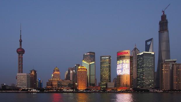 Shanghain siluetti on vaikuttava näky (Kuva: Wilson Hui CC BY 2.0)