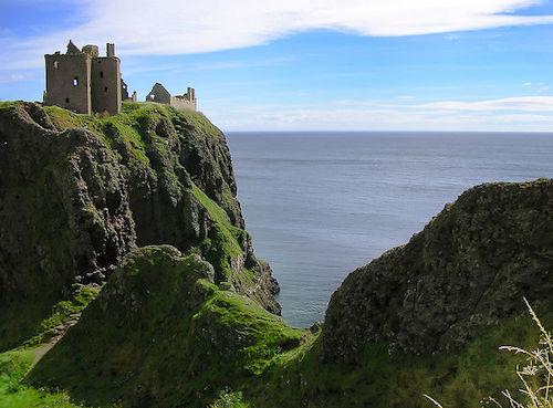 Dunnotar Castle (kuva: Macieklew CC-BY-SA)