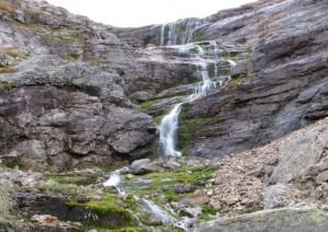 Urho Kekkosen kansallispuistossa voi ihailla vesiputouksia