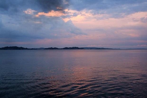 Victoriajärvi auringon laskiessa (Kuva: Jonathan Stonehouse CC BY 2.0)