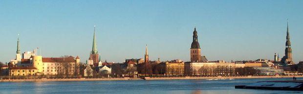 Riika Daugava-joelta nähtynä